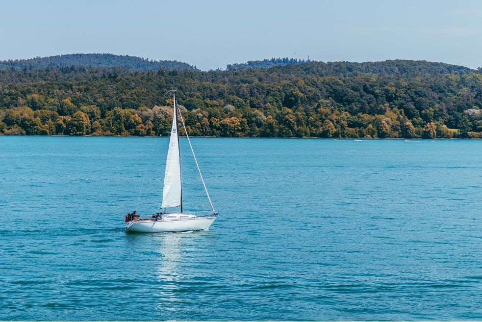 Advantages of using an automated sailboat maintenance software