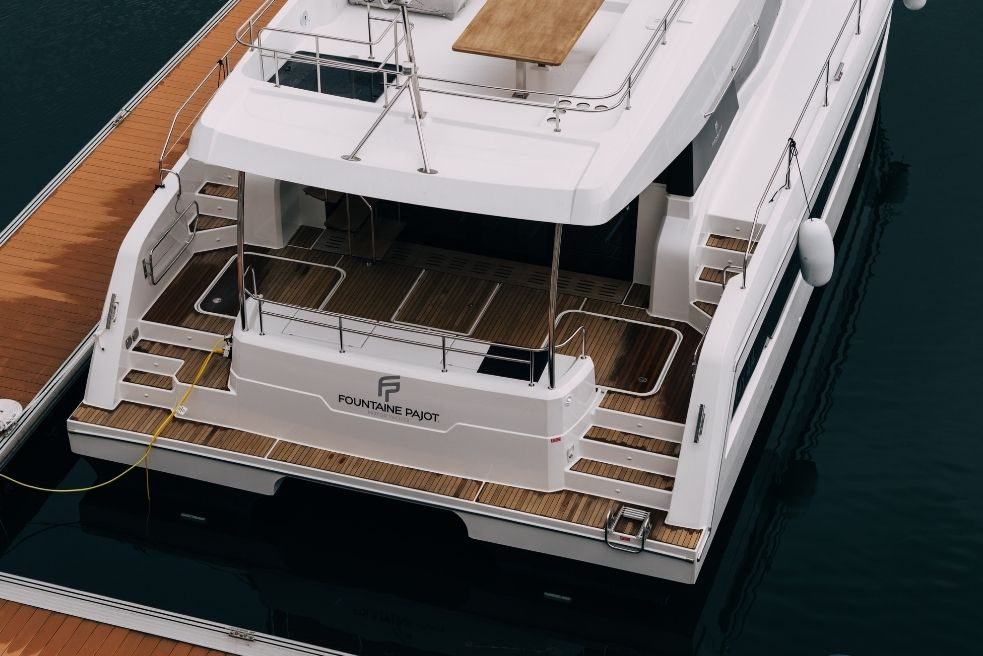What is the stern of a boat: function and definition
