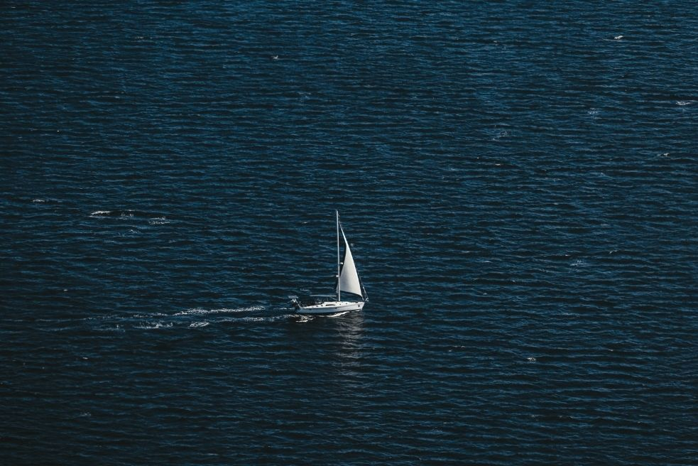 Why use a sailboat management app
